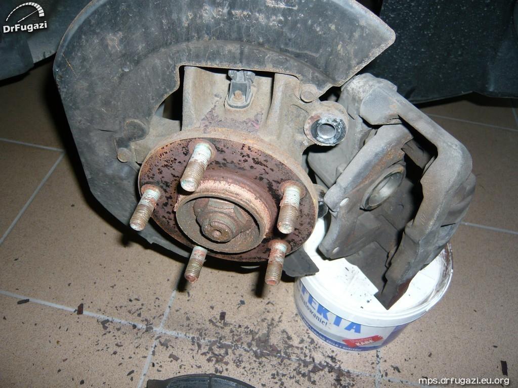 mazdaspeed 3 changing brakes 05 mazdaspeed3 mazda 3. Black Bedroom Furniture Sets. Home Design Ideas